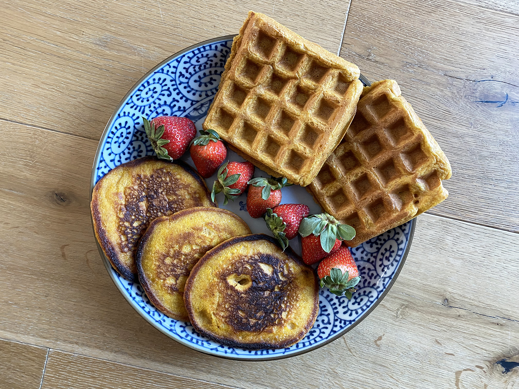 Pumpkin Pancakes (or Waffles)