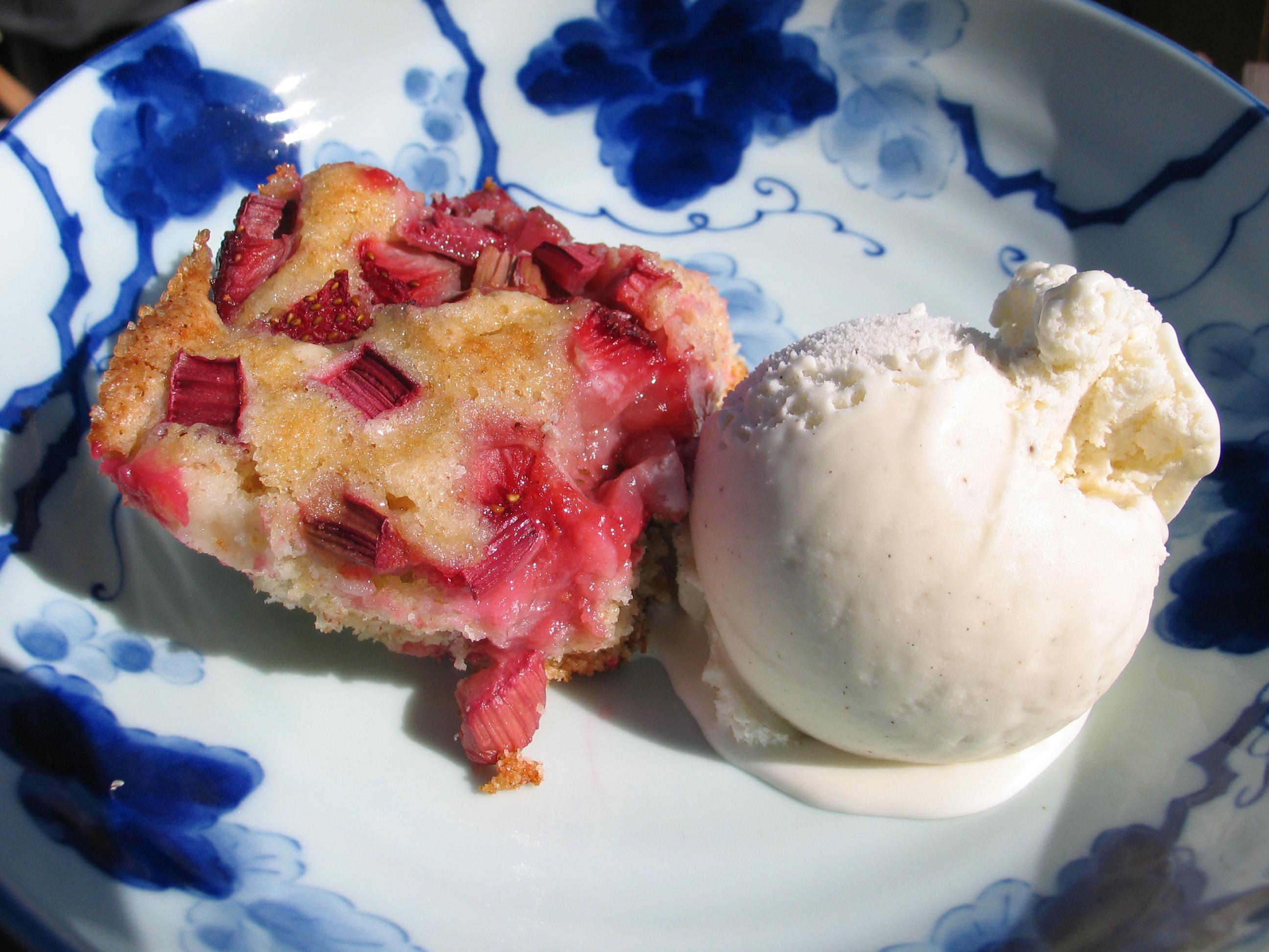 Strawberry Rhubarb Cobbler Cake