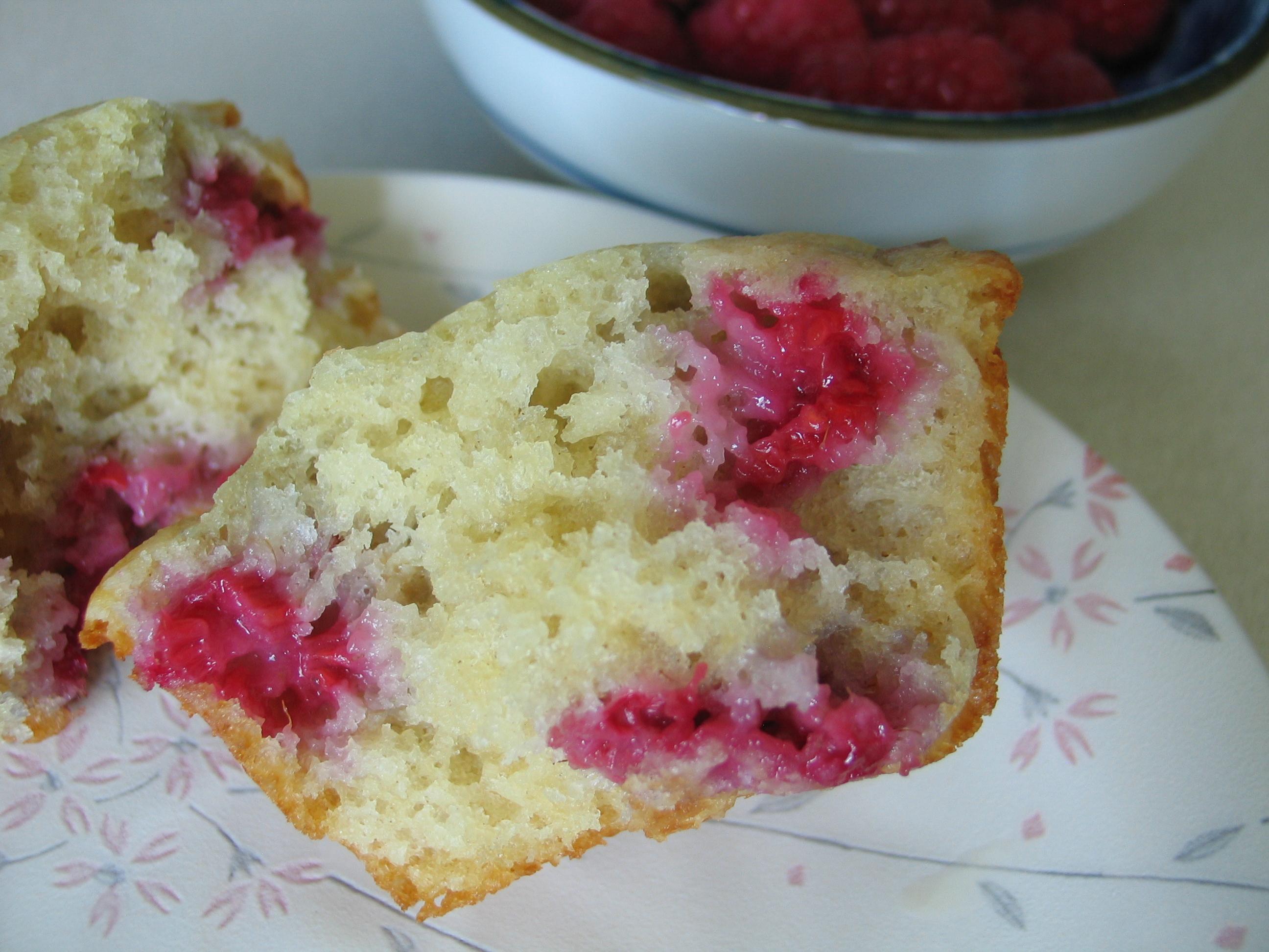 Raspberry Rhubarb Muffins (Cupcakes)