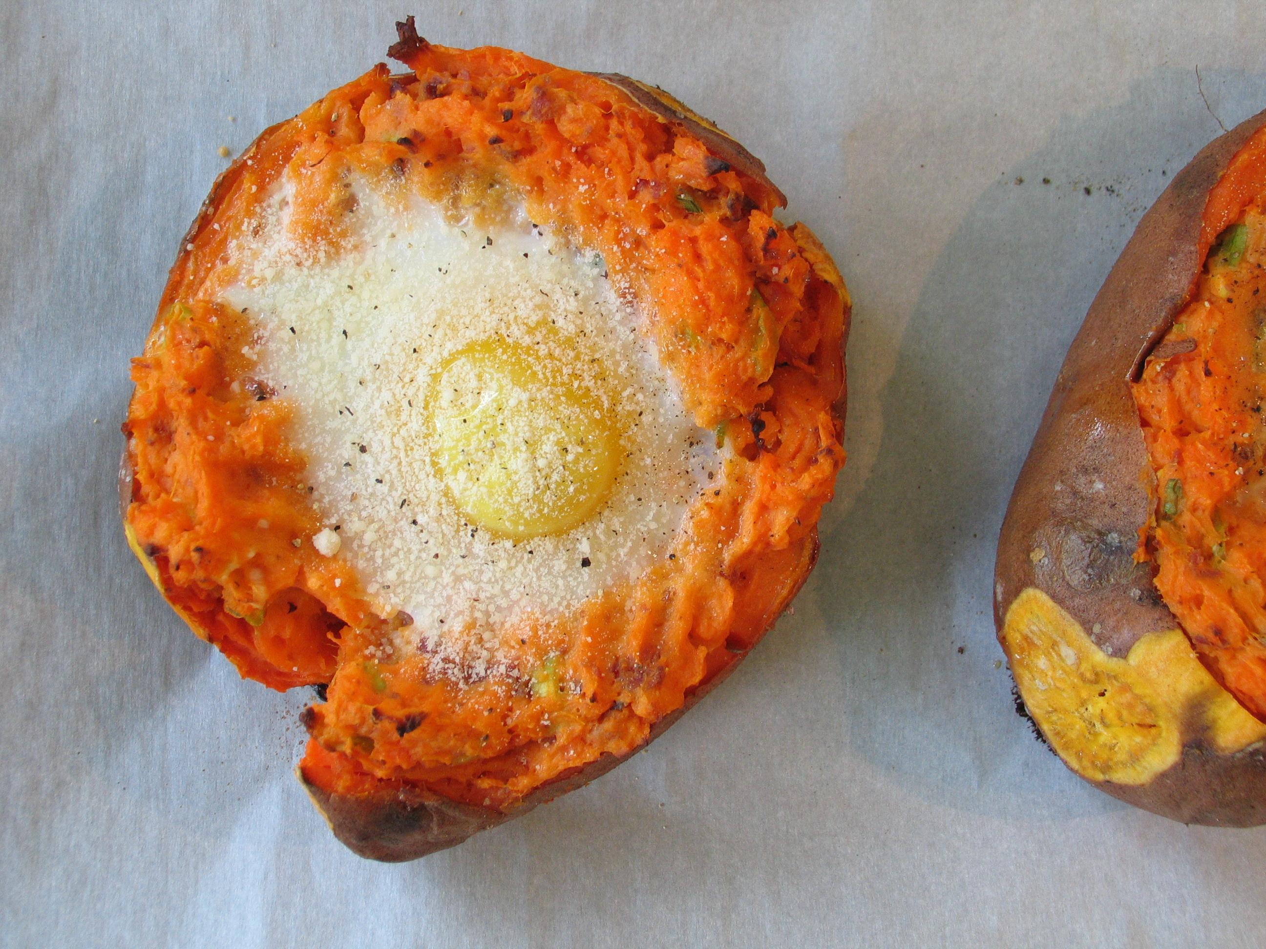 Baked Potatoes & Eggs