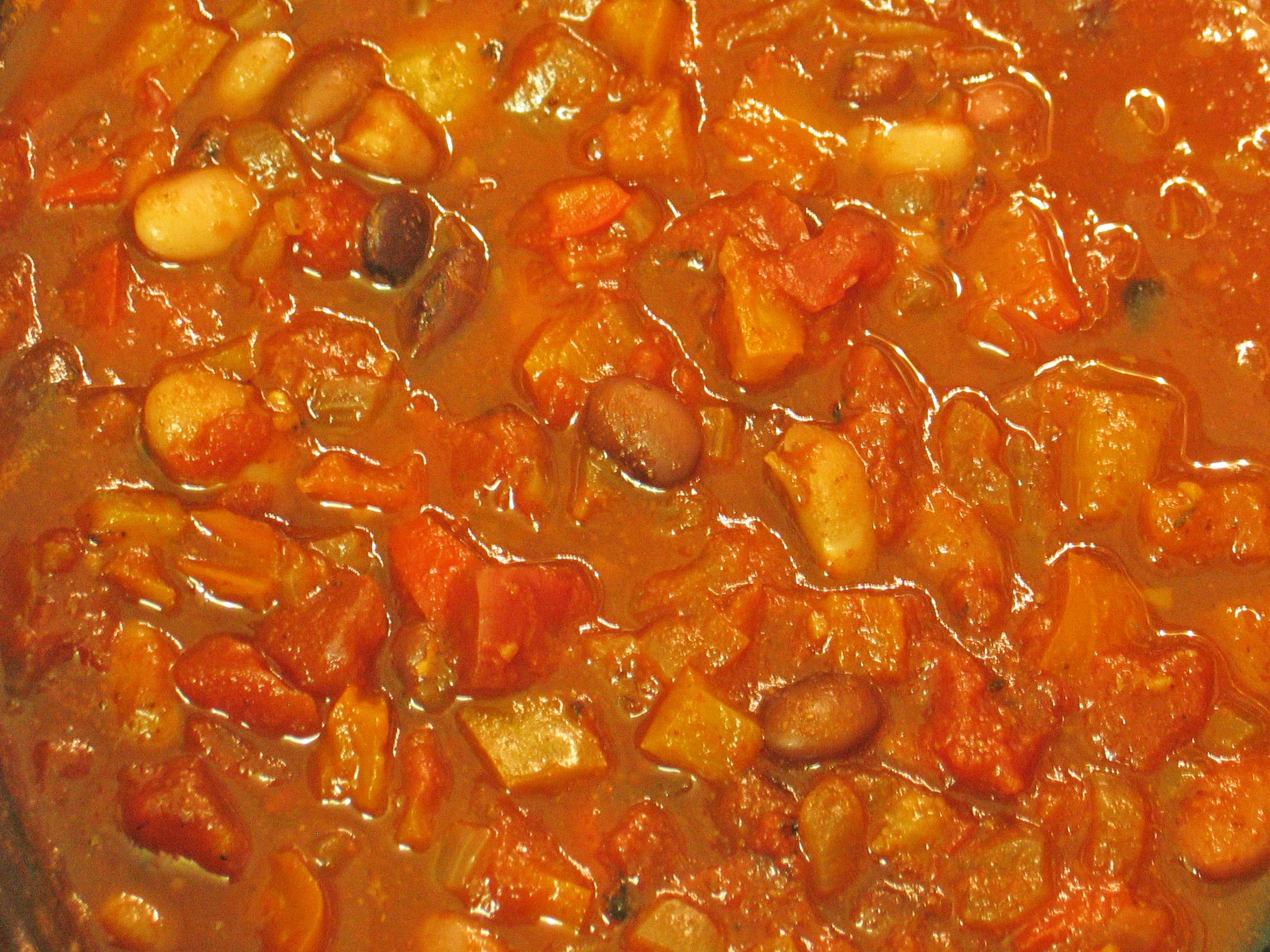 Three Bean Chili (Slow Cooker)