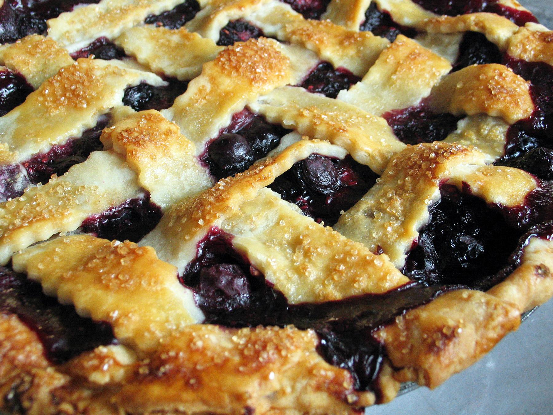 Lattice-Top Triple Berry Pie