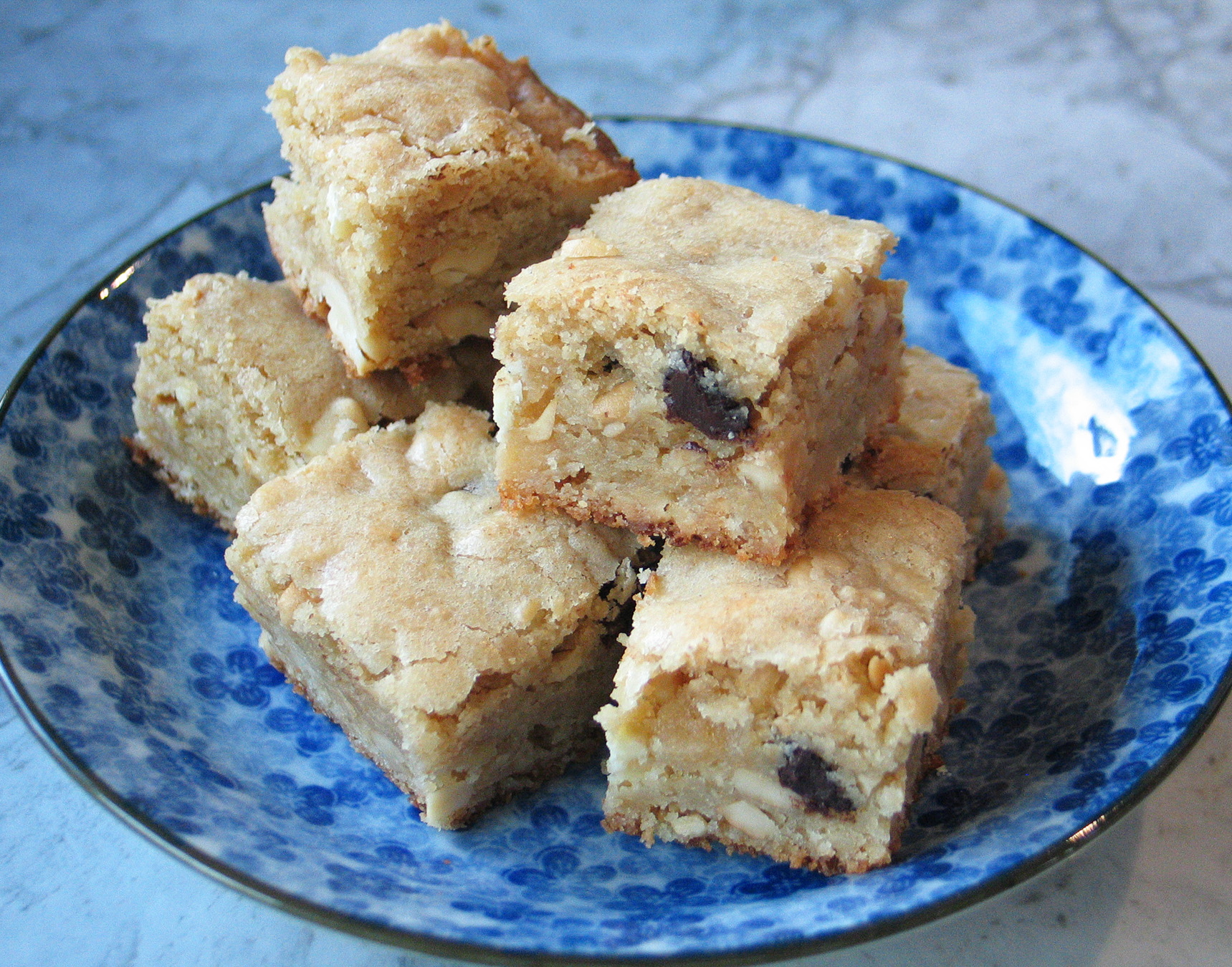 Toasted Cashew and Marzipan Blondies