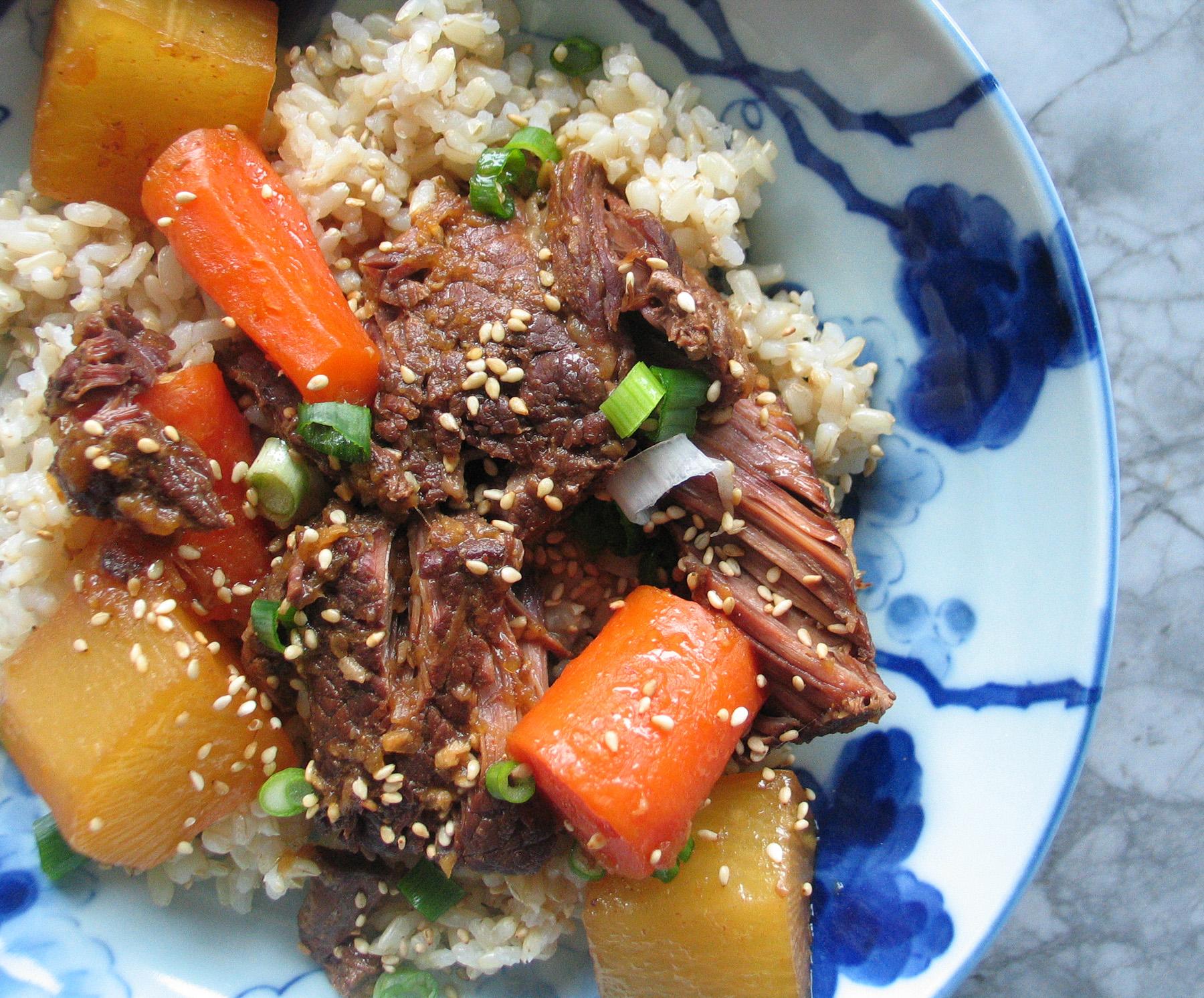 Korean Braised Beef Short Ribs (Pressure Cooker)