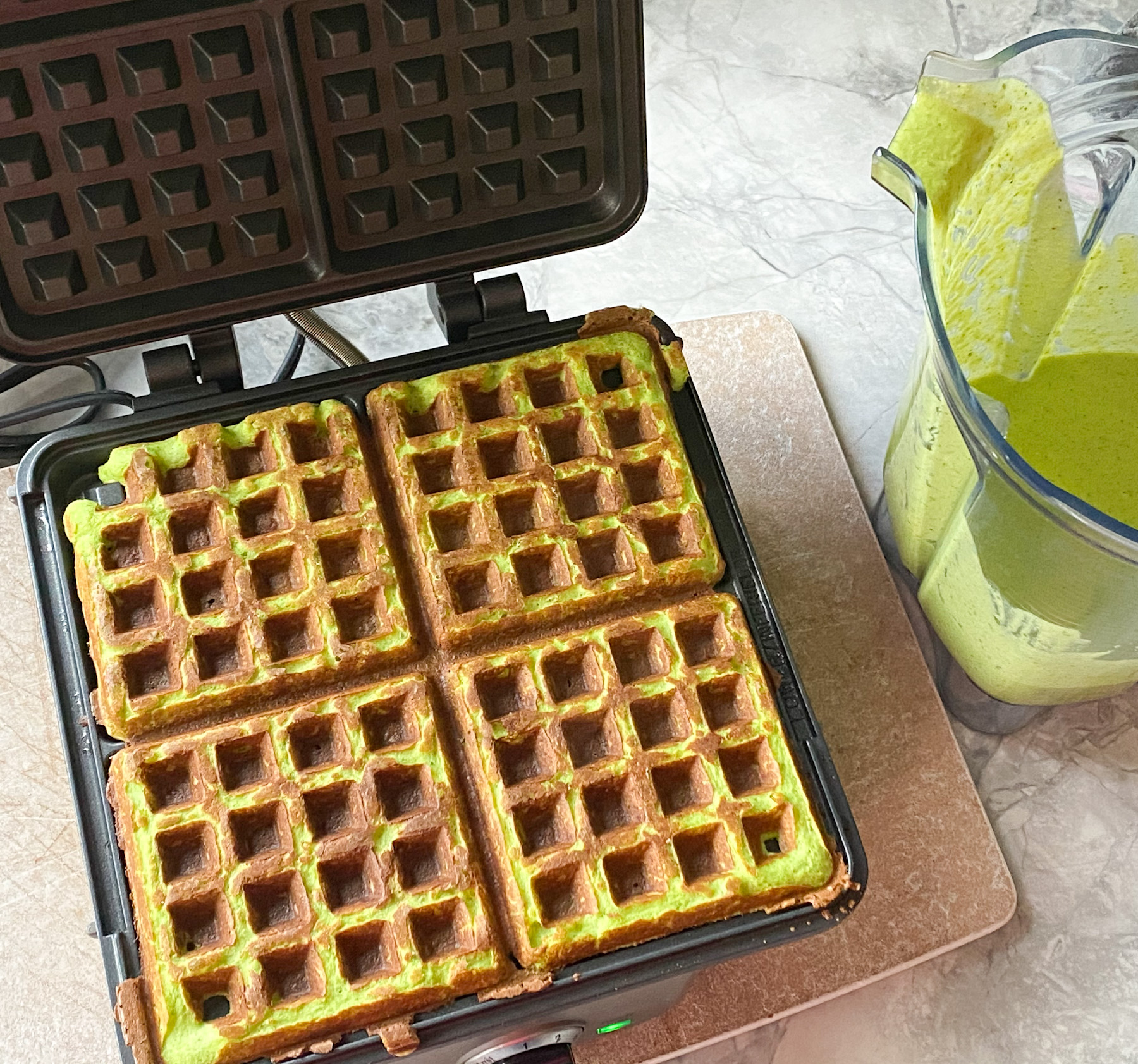 Spinach and Cottage Cheese Waffles