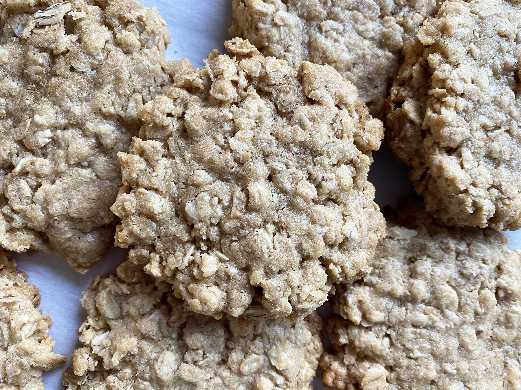 Quick Tahini Oatmeal Cookies