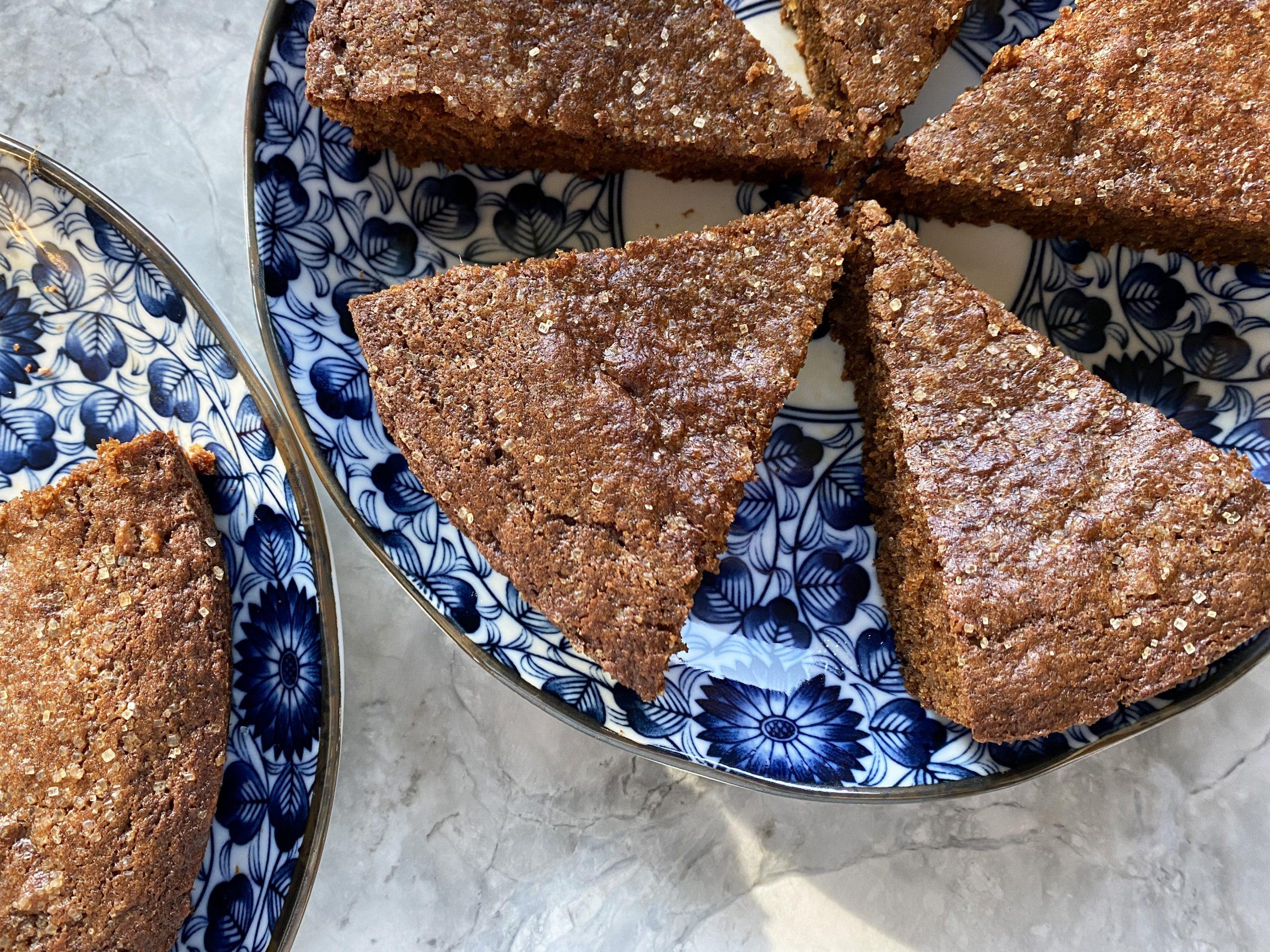 Sparkling Gingerbread Cake